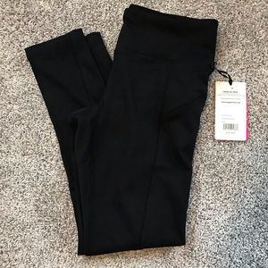 NWT yoga and workout leggings black size large